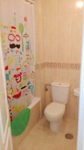 Cuarto de baño del dormitorio de matrimonio.