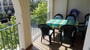 Terraza - detalle mesa comedor.